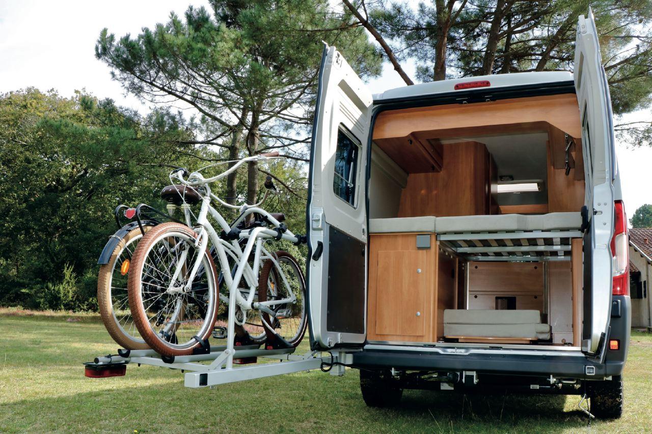 porte v lo pour camping car comment le monter efficacement. Black Bedroom Furniture Sets. Home Design Ideas